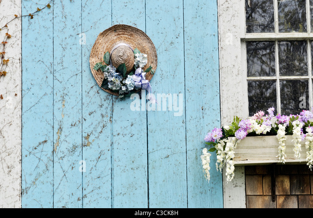 Small Ranch House Exterior Decor Besides Traditional Home On Cape Cod