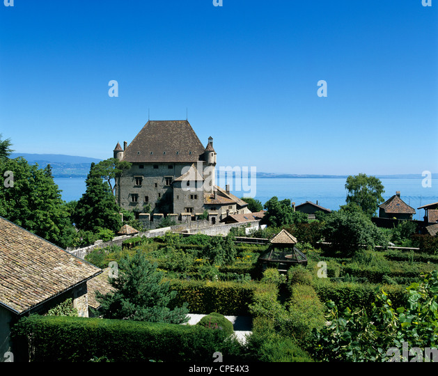 Yvoire stock photos yvoire stock images alamy for Jardin 5 sens yvoire