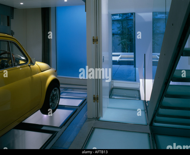 Mews House With Car Lift, Knightsbridge. Architect: Seth Stein Architects    Stock Image