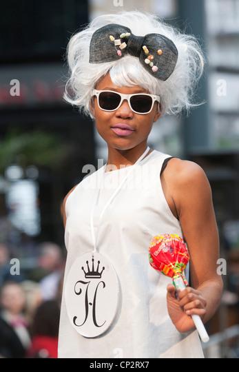 Wig Designer Stock Photos & Wig Designer Stock Images