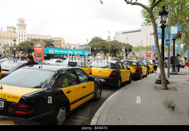 Barcelona taxi stock photos barcelona taxi stock images alamy - Cab in barcelona ...
