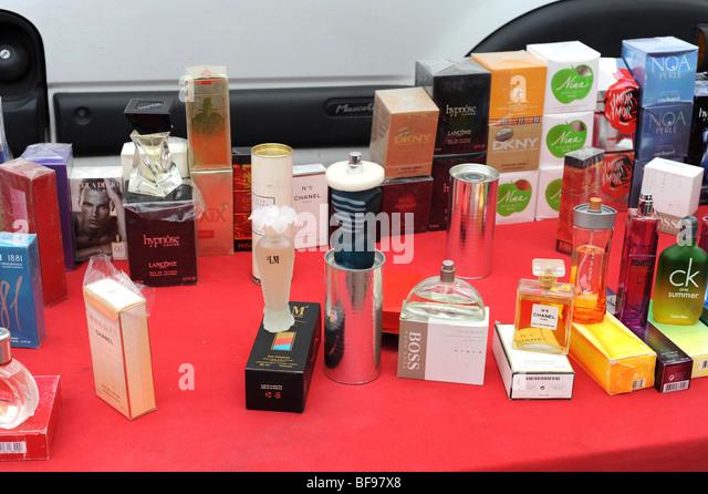 fake perfume stock photos fake perfume stock images alamy. Black Bedroom Furniture Sets. Home Design Ideas
