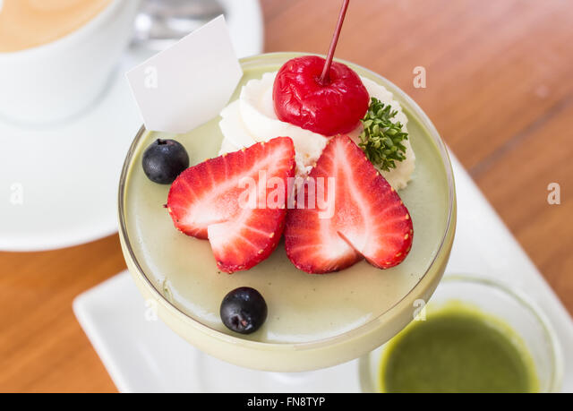 Vanilla Panna Cotta Berry Sauce Stock Photos & Vanilla Panna Cotta ...