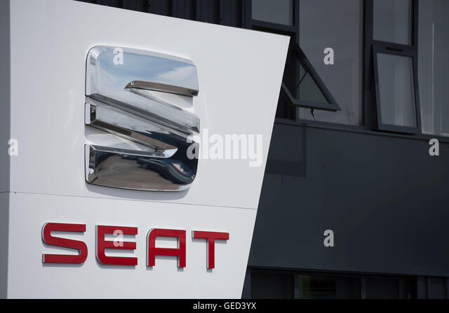 Seat logo stock photos seat logo stock images alamy for Garage seat argenteuil 95