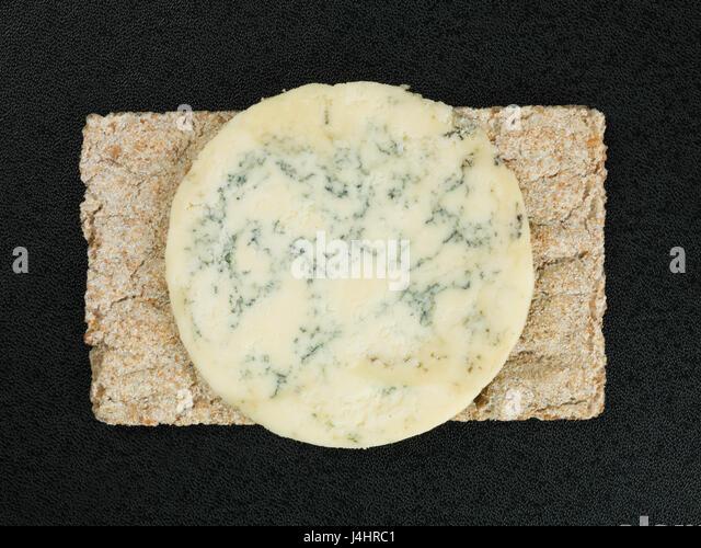 how to eat blue stilton cheese
