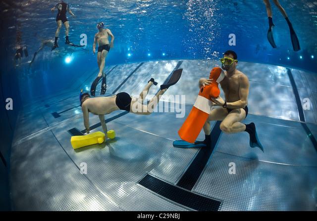 Entrainement stock photos entrainement stock images alamy for Club piscine boucherville