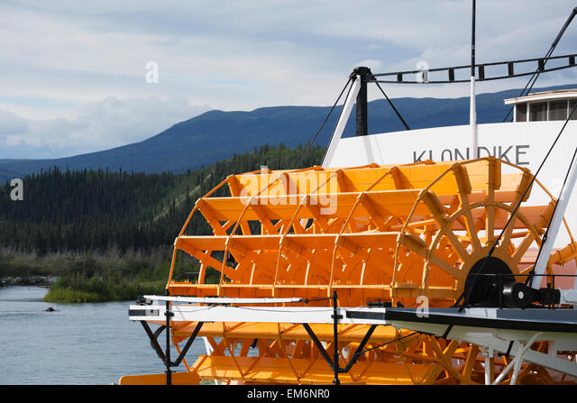 Paddle Wheel Riverboat On River Stock Photos Amp Paddle Wheel Riverboat On River Stock Images Alamy