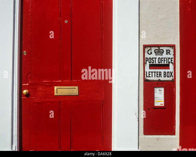 A red front door and letter box. Kimbolton Huntingdonshire Cambridge - Stock Image & Door Letter Box Stock Photos u0026 Door Letter Box Stock Images - Alamy pezcame.com