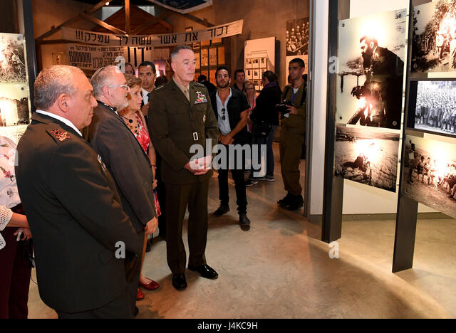 Chairman of yad vashem stock photos chairman of yad for Chair joint chiefs of staff