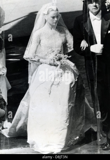 Pictures of grace kelly wedding