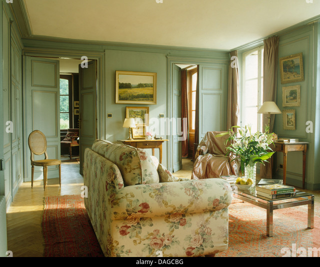 Bedroom Ideas Cream Furniture Shabby Chic Bedroom Yellow Bedroom Bench Blue Bedroom Wallpaper Ideas Grey: Floral Sofa In French Country Stock Photos & Floral Sofa