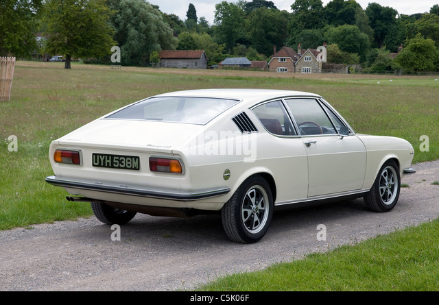 audi 100 coupe s stock photos audi 100 coupe s stock images alamy. Black Bedroom Furniture Sets. Home Design Ideas