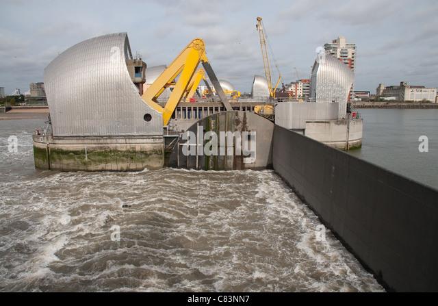 Flooding Gates Stock Photos Amp Flooding Gates Stock Images