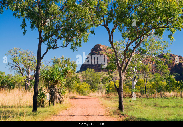rocky-outcrop-and-road-keep-river-nation