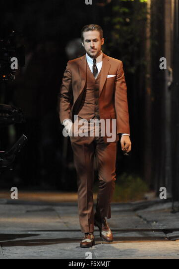 Ryan Gosling Vintage Brown Suit Stock Photos & Ryan Gosling ...