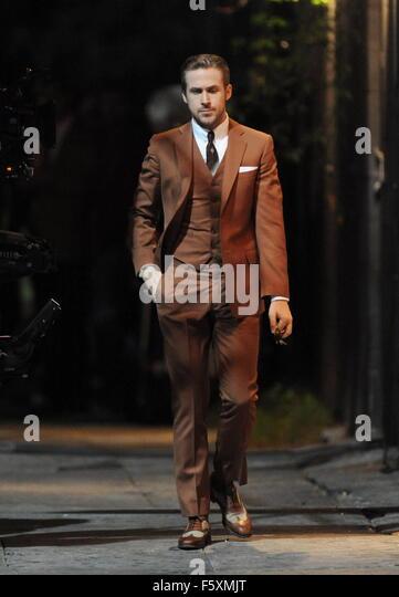 Ryan Gosling Vintage Brown Suit Stock Photos & Ryan Gosling ...