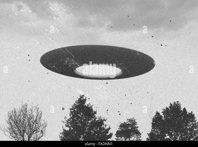 A German Nazi U Boat &amp- A UFO Approaching The Hidden Top Secret ...