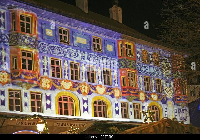 Haus Beleuchten weihnachten beleuchtung haus stock photos weihnachten beleuchtung