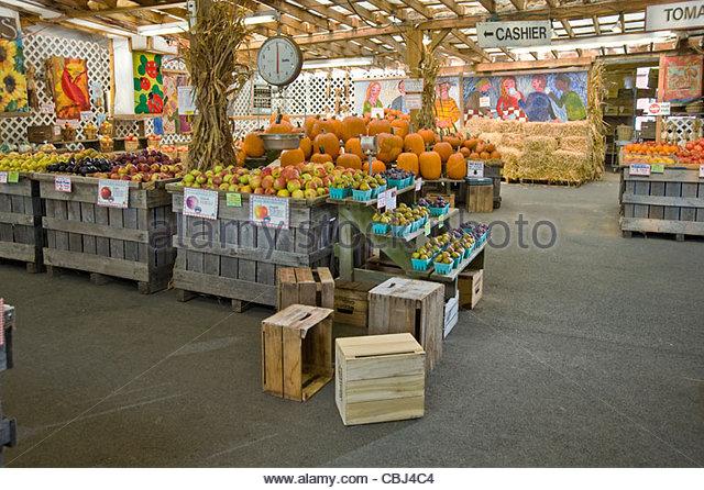 Empty Market Stall Stock Photos & Empty Market Stall Stock ...