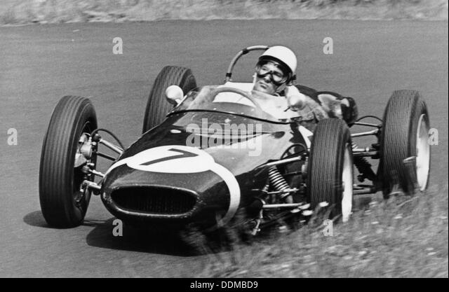Stirling moss crash stock photos stirling moss crash for Moss motors used cars airport