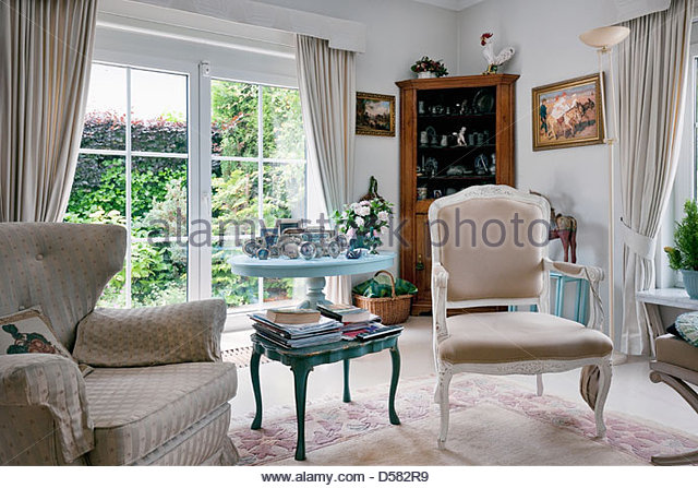 Mismatched stock photos mismatched stock images alamy for Traditional armchairs for living room