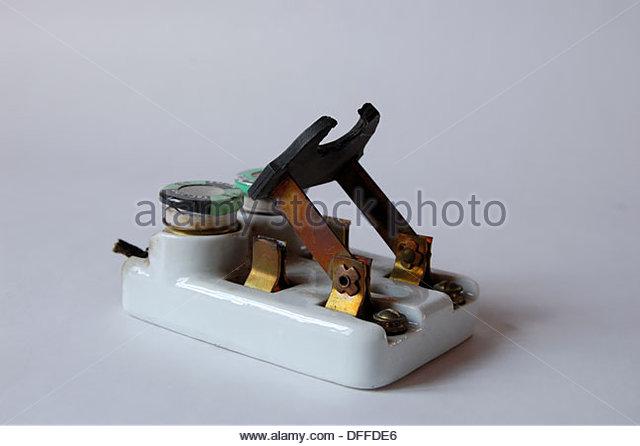 1950s vintage ceramic fuse box electrical circuit breaker with fuses dffde6 1950s vintage ceramic fuse box stock photos & 1950s vintage ceramic fuse blocks at alyssarenee.co