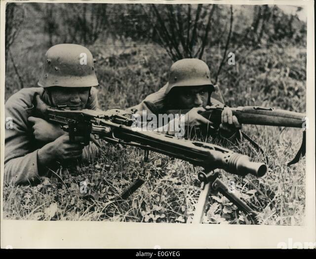 Maschinegewehr 42 Wallpaper: Mg42 Machine Gun Stock Photos & Mg42 Machine Gun Stock