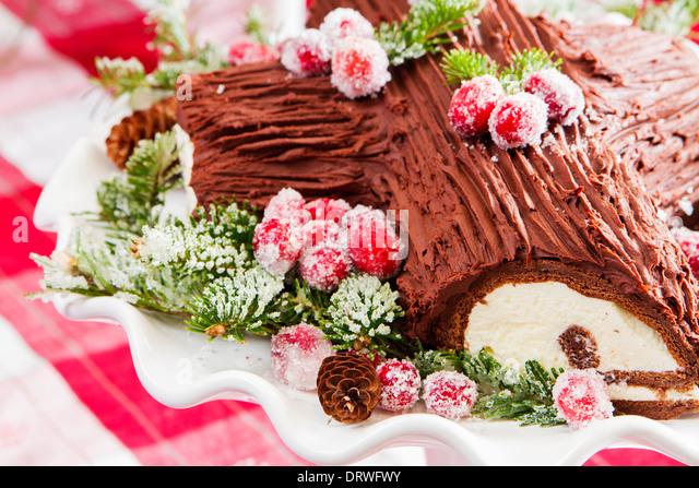 Yule Log Cake Stock Photos & Yule Log Cake Stock Images ...