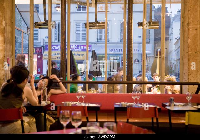 Pause Caf Ef Bf Bd  Rue De Charonne  Paris
