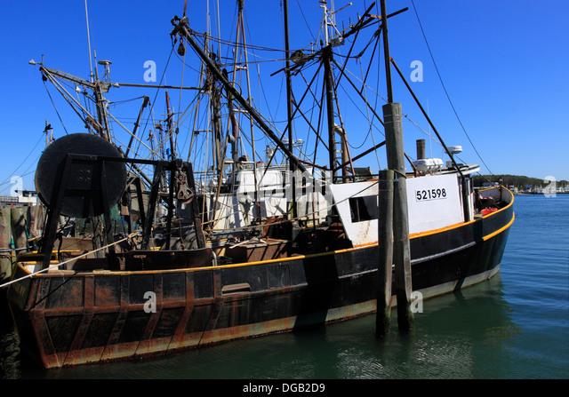 The hamptons new york and marina stock photos the for Fishing boats long island