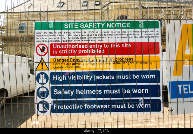 construction site safety signs stock photos amp construction site safety signs stock images   alamy