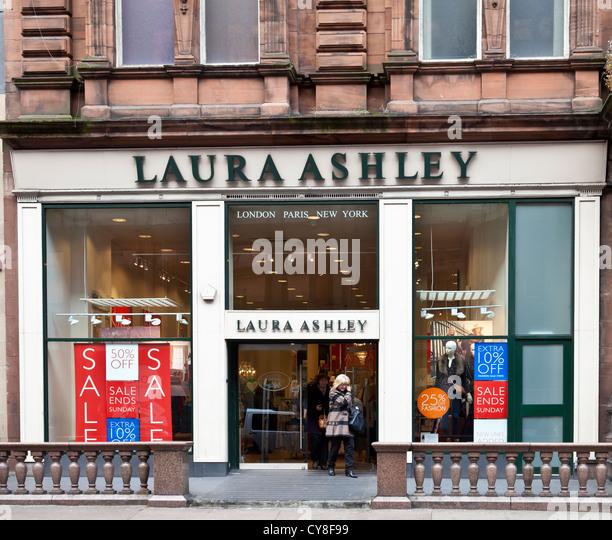 Laura Ashley Stock Photos & Laura Ashley Stock Images