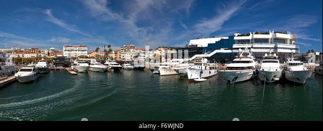 Cannes old port stock photos cannes old port stock images alamy - Port de cannes capitainerie ...