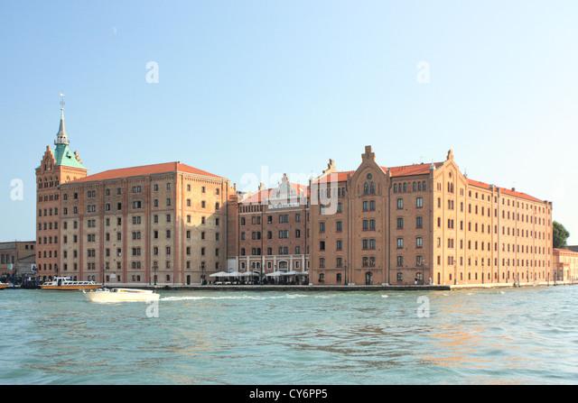 Isola della giudecca island isola insel isla de stock for L hotel della cabina islanda