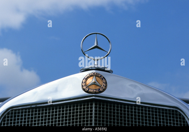 Mercedes benz car symbol hood stock photos mercedes benz for Mercedes benz maker
