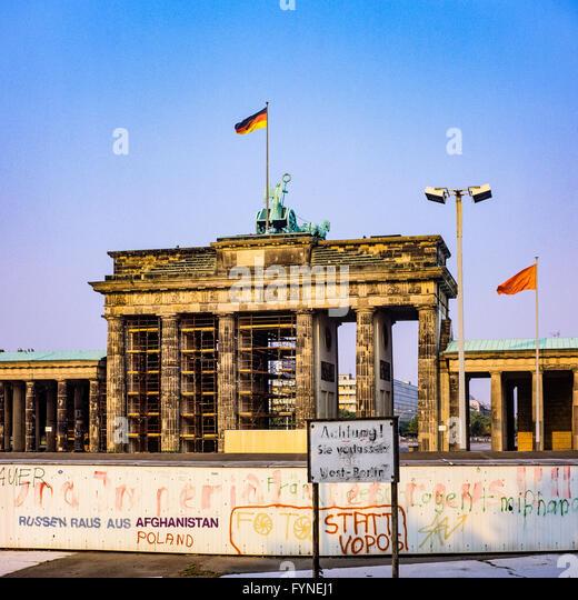 brandenburg gate 1989 - photo #28