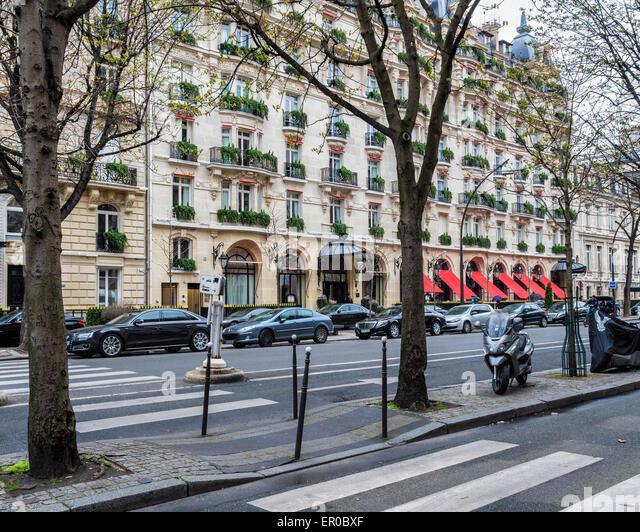 hotel plaza athenee paris stock photos hotel plaza. Black Bedroom Furniture Sets. Home Design Ideas
