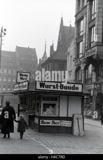 http://l7.alamy.com/zooms/67f91352d92f47b59f43f480fcdbfd63/eine-wurstbude-in-breslau-niederschlesien-deutsches-reich-1930er-jahre-h4c7rd.jpg