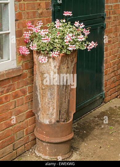 Wall planter stock photos wall planter stock images alamy for Stonehouse manor bamboo