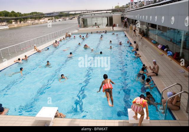 Piscine josephine baker stock photos piscine josephine for Where to swim in paris