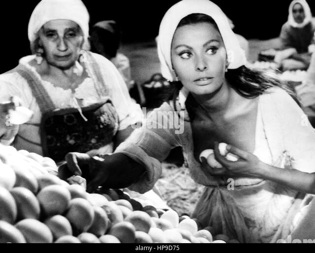 Sophia Loren Young Pics & GIFs Sexy