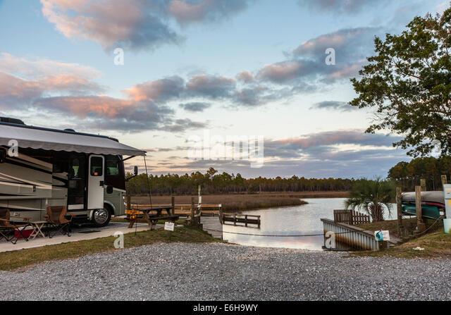 Rv camping stock photos rv camping stock images alamy for Camping jardin de mon pere