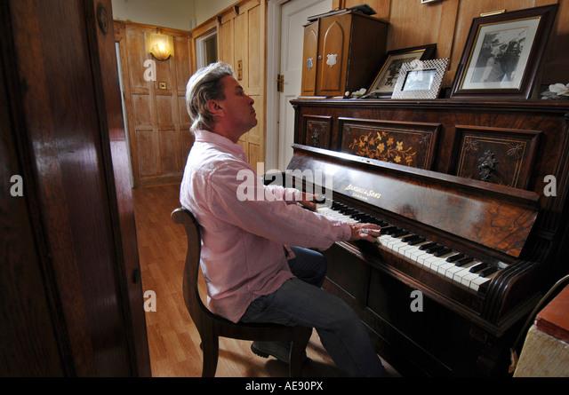 Bucks fizz music stock photos bucks fizz music stock for 90s piano house