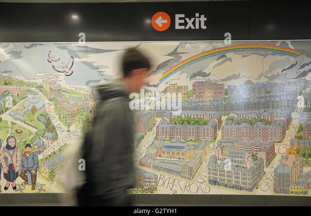 Glasgow underground train stock photos glasgow for Alasdair gray hillhead mural