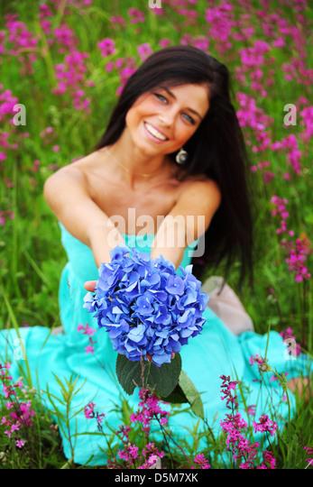 объявлений фотосъемка цветов для стоков пышное зелёно