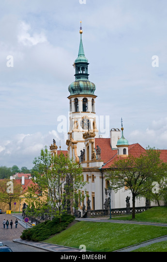 Near loreto stock photos near loreto stock images alamy for Where is prague near