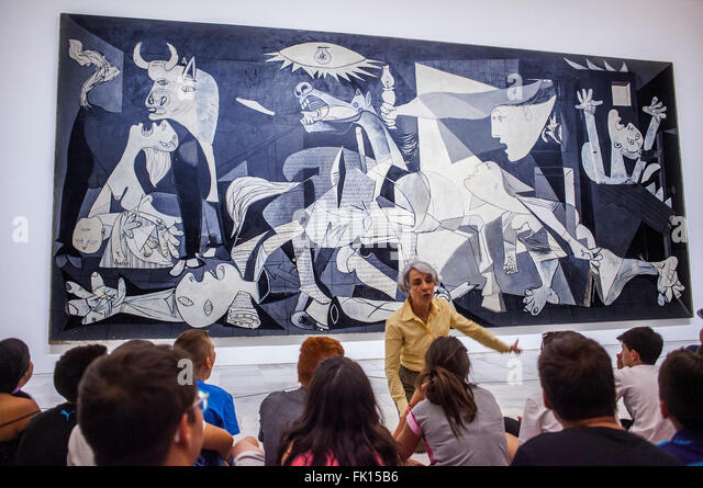 Guernica pablo picasso full size the for Mural guernica