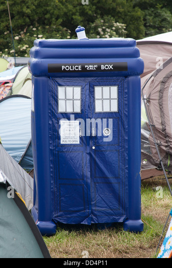 Dr Whou0027s Tardis police box in the c&site of the Glastonbury Festival  Somerset England & Tardis Police Box Stock Photos u0026 Tardis Police Box Stock Images ...