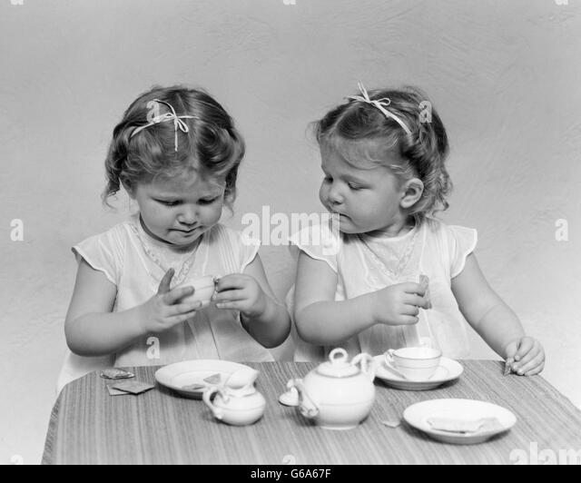 1940s Tea Stock Photos Amp 1940s Tea Stock Images Alamy