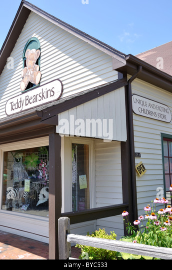 Clothing stores in mystic ct